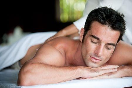 relaxing-back-neck-&amp-shoulder-swedish-massage-